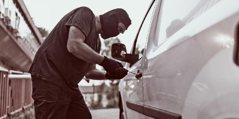 Spada liczba kradzieży samochodów